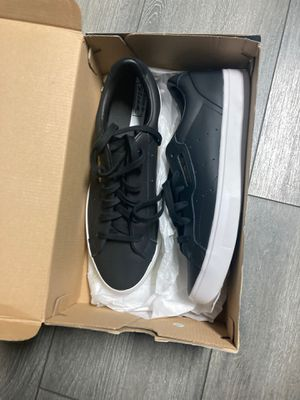 Women's sleek Adidas size 9 1/2 for Sale in San Leandro, CA