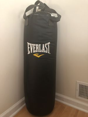 Everlast punching bag / heavy bag for Sale in Piscataway, NJ