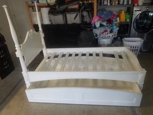 Double twin bed frame for Sale in Spring Valley, CA