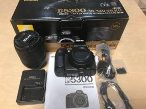 Nikon D5300 Kit 18-140 lenses Vr( like Brand New) for Sale in Houston, TX