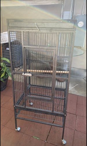 Big Bird cage for Sale in Selma, CA