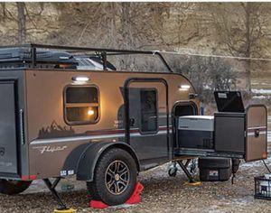Intech Pursue Camper Trailer for Sale in San Diego, CA