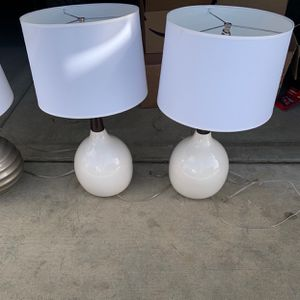 Used Lamps With Shades for Sale in Victorville, CA