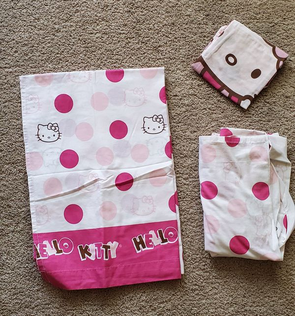 Hello Kitty bed set (reversible)