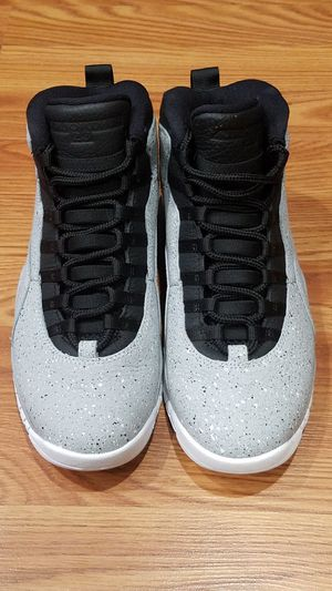 Jordan Retro 10 Light Smoke Size 8.5 for Sale in Los Angeles, CA