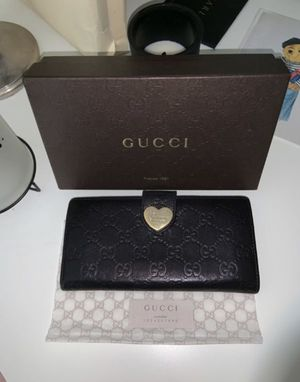 GUCCI (Guccissima) Leather wallet AUTHENTIC for Sale in Austin, TX