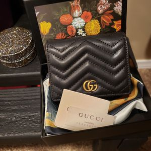 All leather small Gucci wallet for Sale in Las Vegas, NV