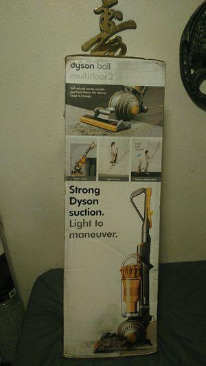 Dyson multifloor 2 vacuum for Sale in Fresno, CA