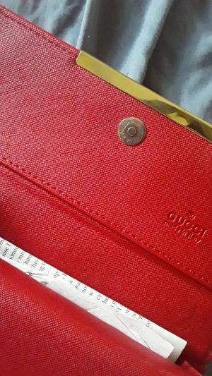 Womens Gucci wallet for Sale in Indianapolis, IN