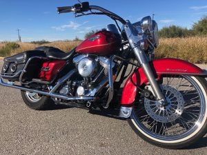 Christmas Red 98' Harley Davidson Road King for Sale in Tucson, AZ