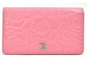 CHANEL Camellia Wallet Pink Leather Lambskin for Sale in Phoenix, AZ