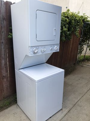 Kenmore apartment size stackable washer and gas dryer for Sale in Torrance, CA