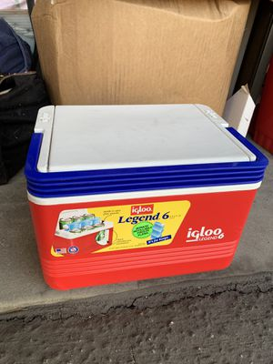 Small Igloo Cooler for Sale in Torrance, CA