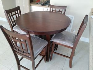 Dining table with four chairs brand new free delivery for Sale in Miami Gardens, FL