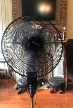 AmazonBasics Oscillating Dual Blade Standing Pedestal Fan with Remote - 16-Inch for Sale in Jersey City,  NJ