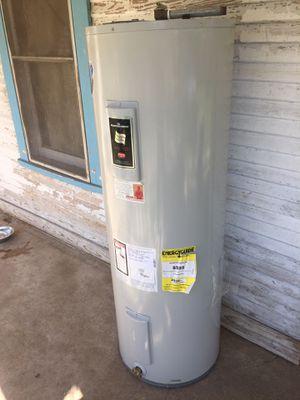50 gallon water heater for Sale in San Antonio, TX