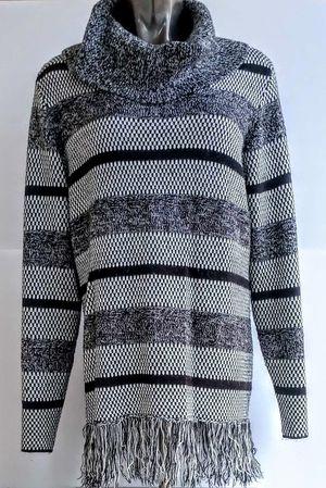 Carolyn Taylor Women's Fringe Sweater Size XL for Sale in Spokane, WA