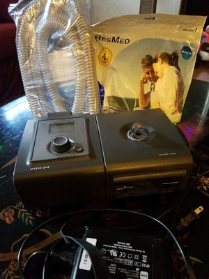 Respironics System One Auto CPAP and Humidifier (Sleep apnea machine) With new mask and new hose and a carrying case for Sale in Buffalo, NY