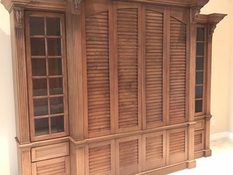Tommy Bahama Style Entertainment Center for Sale in Bonita Springs,  FL