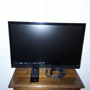 """Vizio 24"""" HDMI 1080p LED TV for Sale in Port Charlotte, FL"""