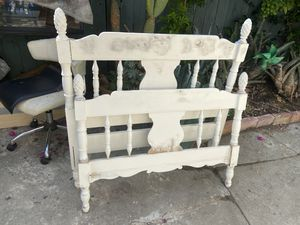 Vintage Twin headboard and foot. for Sale in Los Angeles, CA