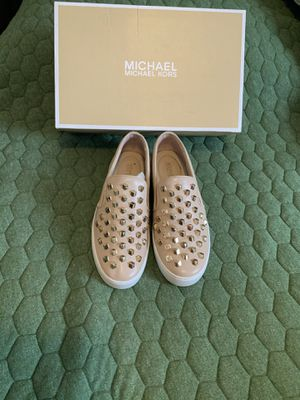 Michael kors size 7.5 for Sale in The Bronx, NY