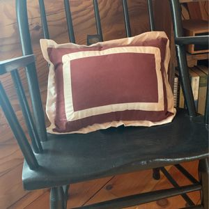 Small maroon and white decorative pillow for Sale in Blossvale, NY