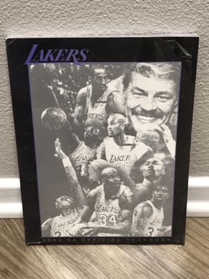 2003-04 Los Angeles Lakers Yearbook for Sale in Ontario, CA
