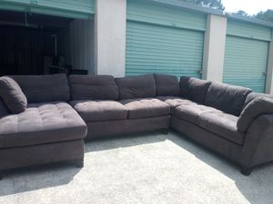 Like new cindycrawford sectional/lounge for Sale in Stone Mountain, GA