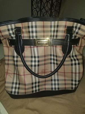 Burberry Dual shoulder and hand Bag for Sale in Floral Park, NY