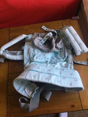 ergobaby baby carrier for Sale in Los Angeles, CA