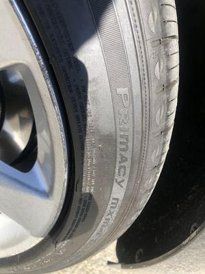 17x8 5 lugs 115mm GM rims with tpms also Michelin run flat Primacy mxm4 tires for Sale in San Jose, CA