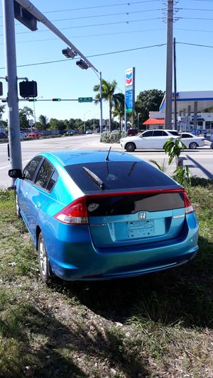 Very clean 2010 Honda Civic Insight hybrid **runs great no issues **no accidents for Sale in Miami, FL