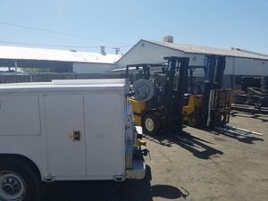 Forklift/pallet jacks for Sale in Fresno, CA