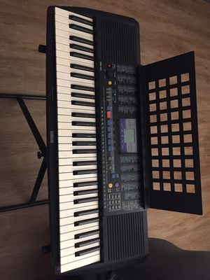 YAMAHA PSR-190 for Sale in Alhambra, CA