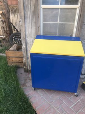 Rams ice chest cooler for Sale in Ontario, CA