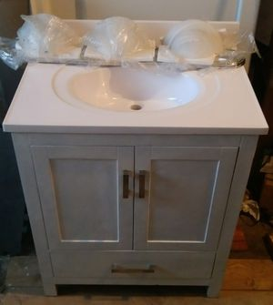 30 inch Free standing vanity for Sale in Fresno, CA
