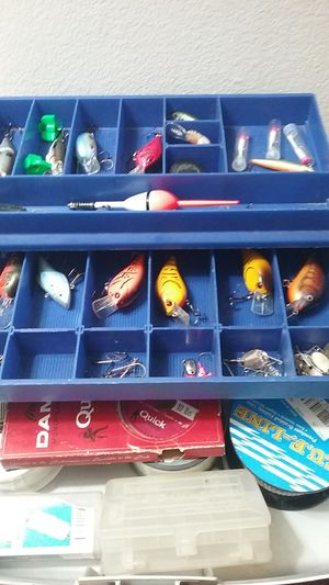 PLANO TACKLE BOX WITH TACKLE for Sale in Aurora, IL