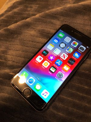 iPhone 6 (with screen protector) for Sale in Goodyear, AZ