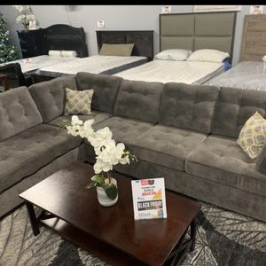 Gray Waffle Sectional for Sale in Culver City, CA
