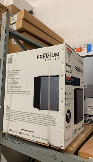 2.4 cu mini fridge for Sale in South El Monte, CA