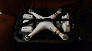 DJI Phantom 3 Professional With Advanced 2.7K Camera for Sale in Hialeah, FL