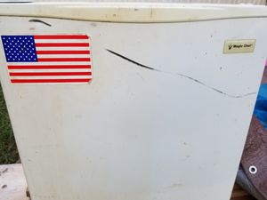 Small refrigerator for Sale in Louisville, TN