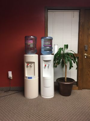 Water Cooler, Dispenser Hot or cold water for Sale in Minneapolis, MN