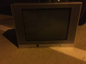 2 TVs - one 19 inch and one 32 inch for Sale in Richardson, TX