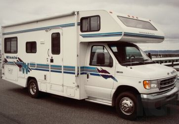 1999 Winnebago Minnie Awesome for Sale in Cleveland,  OH