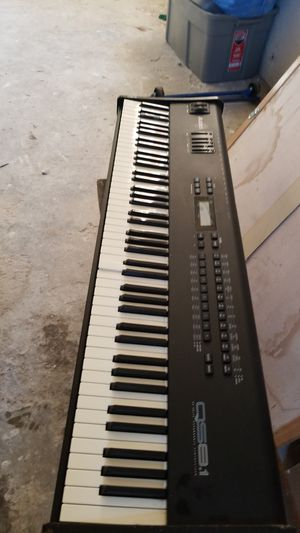 Alesis Qs6.1 61-key 64 Voice Expandable Keyboard/synthesizer for Sale in Los Angeles, CA