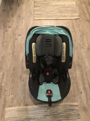 Britax infant car seat and base for Sale in Milton, FL