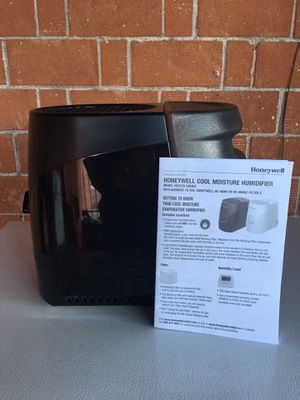 Honeywell Cool Moisture Humidifier-$20.00 for Sale in Phoenix, AZ