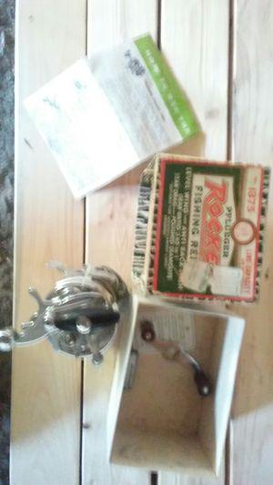 Vintage fishing reel for Sale in Arlington, WA